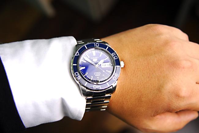 đồng hồ seiko SNZH53J1 (7)