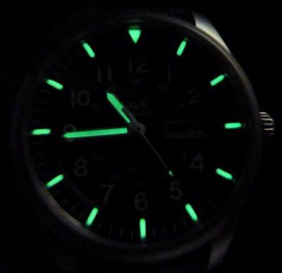 Đồng hồ có dạ quang